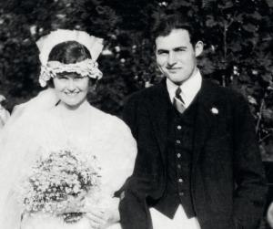 Hadley and Ernest on their wedding day Sept 3, 1921.
